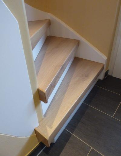 Holztreppe11.3-Treppenrenovierung-Dekor-Eiche-Natur-Stufen