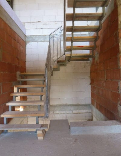 4.2_ Treppenrenovierung_ Hacienda Eiche - Weiß_ Betontreppe_ Blockstufe 2