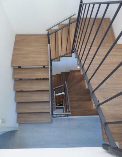 4.3_ Treppenrenovierung_ Hacienda Eiche - Weiß_ Betontreppe_ Blockstufe 3