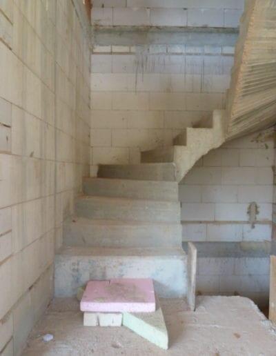 Treppenrenovierung_ Hacienda Eiche - Weiß_ Betontreppe_ Scheuerleiste 2