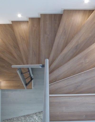 Treppenrenovierung_ Hacienda Eiche - Weiß_ Betontreppe_ Scheuerleiste 3