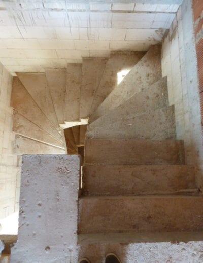 Treppenrenovierung_ Hacienda Eiche - Weiß_ Betontreppe_ Scheuerleiste 4